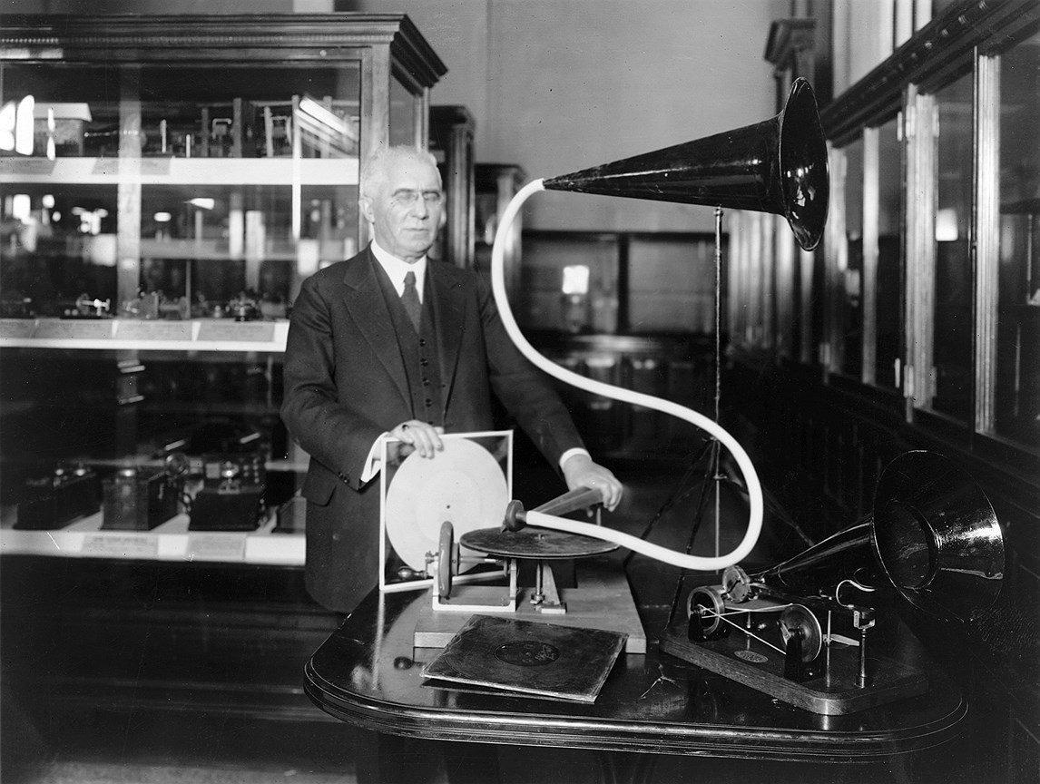первый грамофон