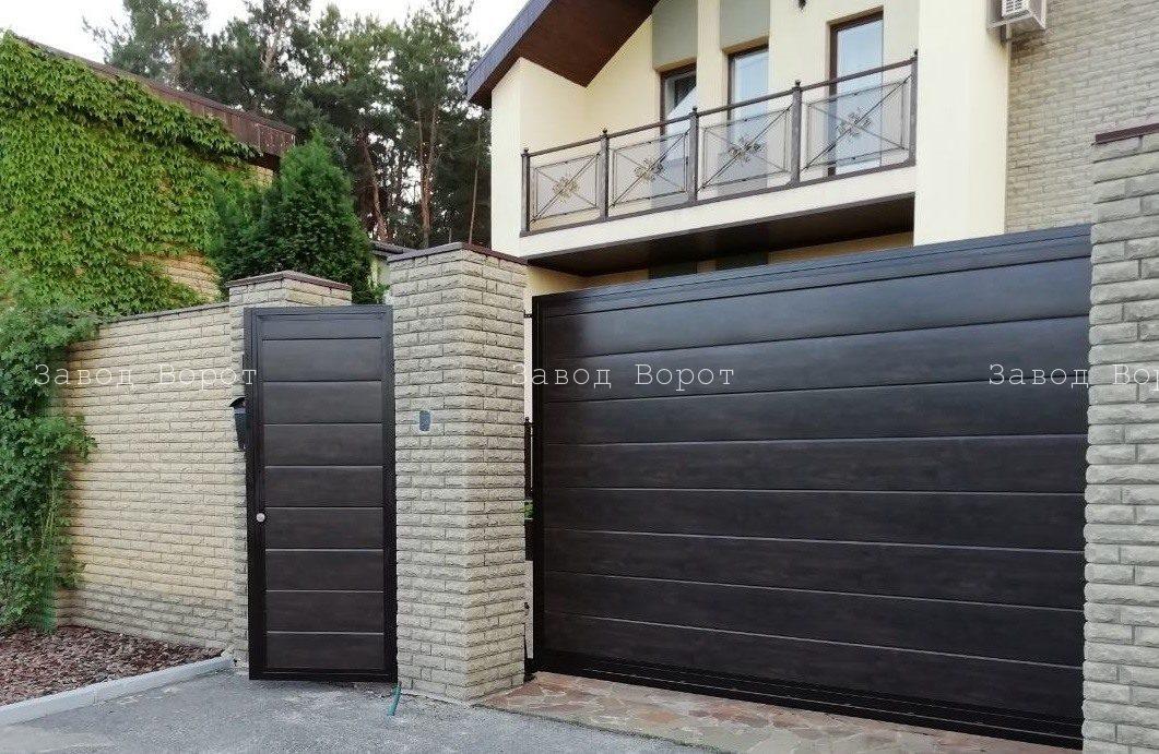 откатные ворота во двор из профнастила